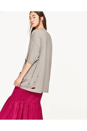 Senhora T-shirts & Manga Curta - Zara T-SHIRT OVERSIZE COM RASGÕES - Disponível em mais cores