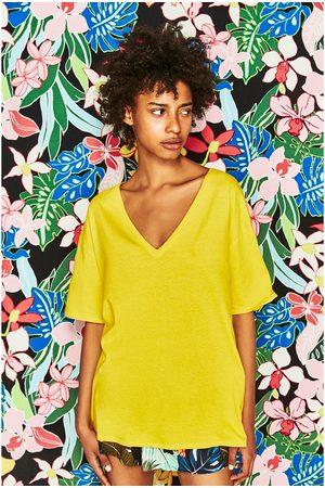 Senhora T-shirts & Manga Curta - Zara T-SHIRT GOLA EM V - Disponível em mais cores