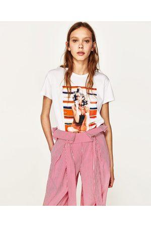 Senhora T-shirts & Manga Curta - Zara T-SHIRT ESTAMPADO FARRAH FAWCETT - Disponível em mais cores