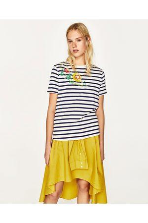Senhora T-shirts & Manga Curta - Zara T-SHIRT C/ BORDADO - Disponível em mais cores