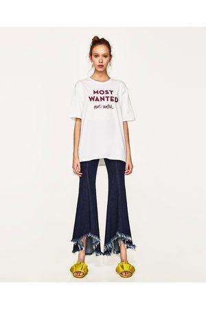Senhora T-shirts & Manga Curta - Zara T-SHIRT TEXTO BORDADO - Disponível em mais cores