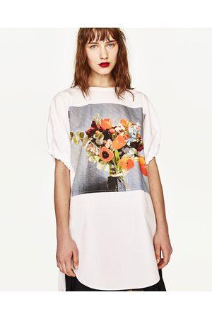 Senhora T-shirts & Manga Curta - Zara T-SHIRT COMBINADA COM FLOR ESTAMPADA