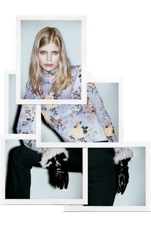 Zara T-SHIRT DE LAÇO COM FLORES - Disponível em mais cores