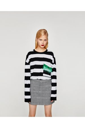 Zara T-SHIRT BOLSO PENAS