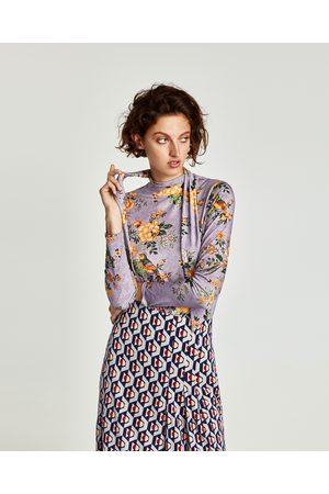 Zara T-SHIRT DE LAÇO COM FLORES