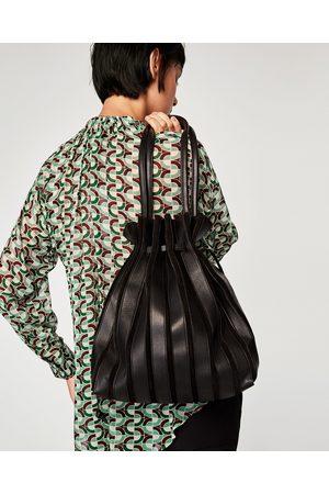 Zara SHOULDER BAG PELE PORMENOR FOLES