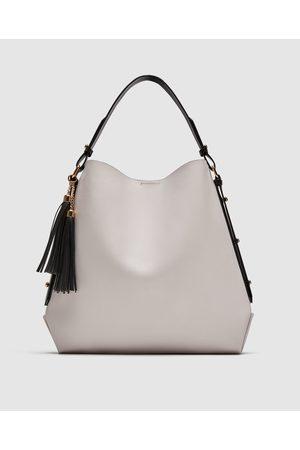 Zara SHOULDER BAG COM PORMENOR DE PENDENTE - Disponível em mais cores