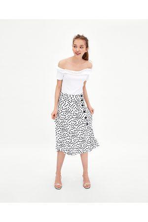 Zara T-SHIRT DECOTE CAICAI - Disponível em mais cores