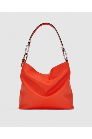 Zara SHOULDER BAG AROS DE METAL