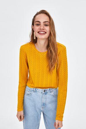Zara T-SHIRT DE ESTRUTURA COM RENDA