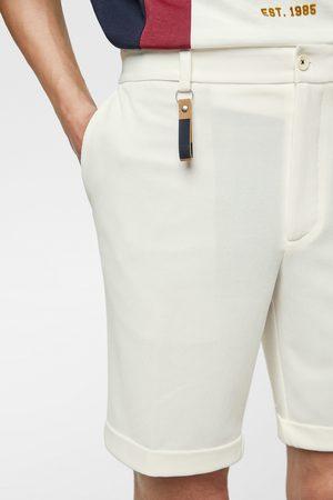 Zara Calções bermuda com pormenor de porta-chaves