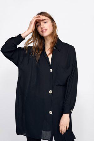 Zara Camisa oversize com botões dourados