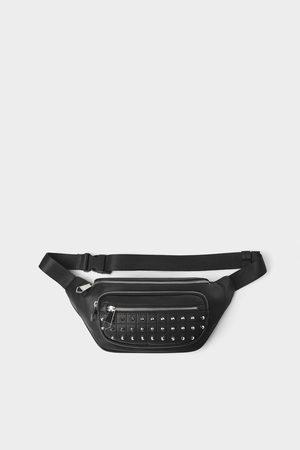 Zara Bolsa de cintura preta com tachas