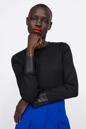 Zara T-shirt combinada com efeito de pele