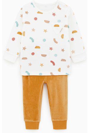 Zara Pijama velvet com figuras