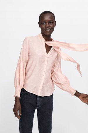 Zara Blusa de bolinhas com laço