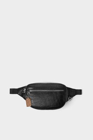 Zara Bolsa de cintura preta com gravura de réptil
