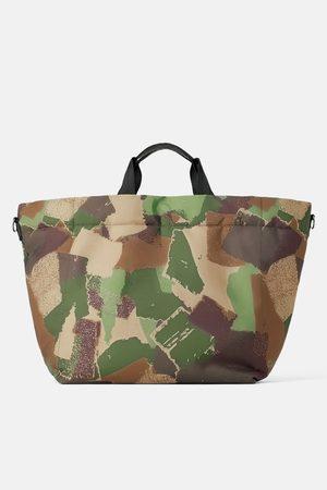 Zara Tote bag acolchoada camuflada