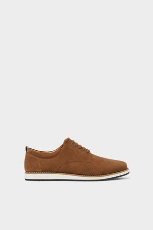 c6e14ece1f1 Zara Homem Sapatos - Sapato sport de pele cinzenta