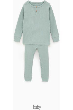 Zara Pijama com decote de botões