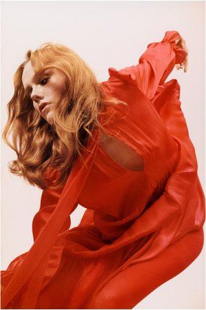Zara Vestido com folhos