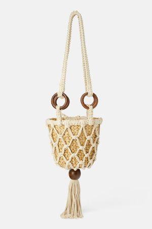 Zara Mala a tiracolo cesta natural