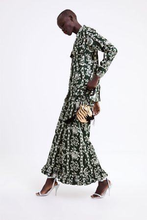 Zara Camisa com estampado floral e botão joia