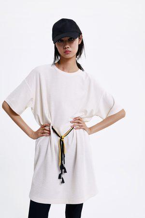 Zara Vestido de estrutura com cordões