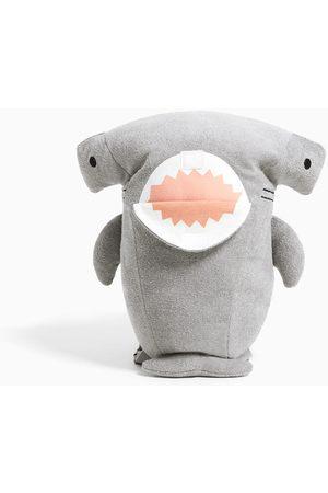 Zara Mochila tubarão