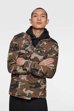 Zara Camisa comprida com estampado de camuflagem