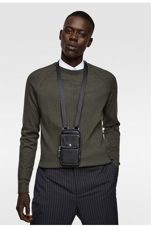 Zara Capa para telemóvel de pele preta