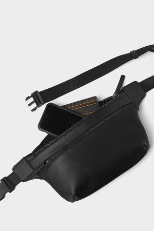 Zara Bolsa de cintura preta básica