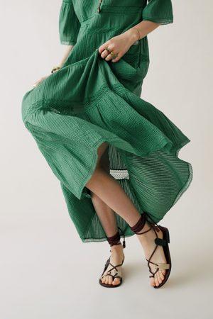 Zara Studio vestido com bordados edição limitada