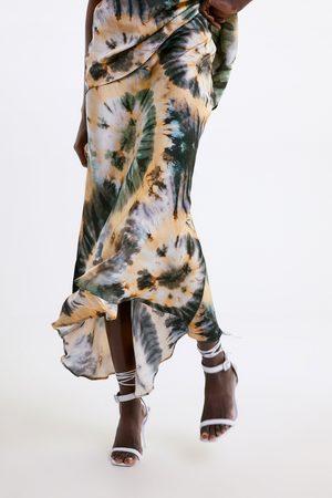Zara Saia com estampado tie dye