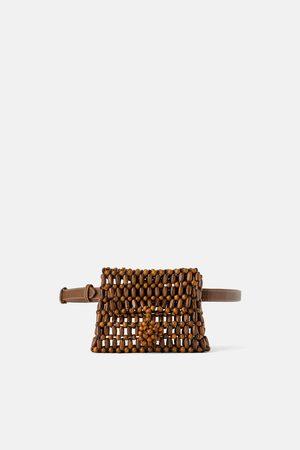 Zara Bolsa de cintura com bolinhas de madeira