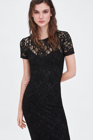 Zara Vestido de renda
