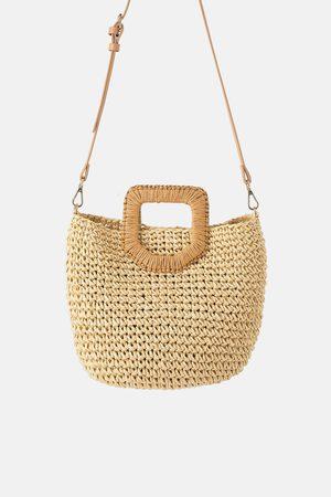 Zara Mala tipo cesto de papel trançado