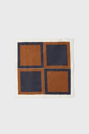Zara Lenço de bolso aos quadrados combinados