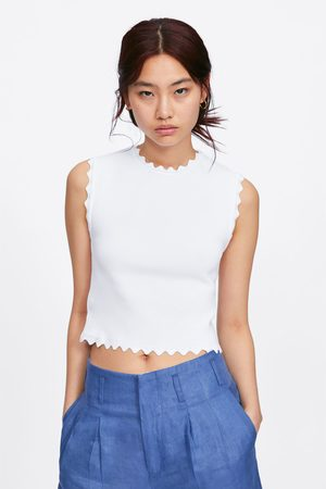 Zara Knit top with scalloped trims