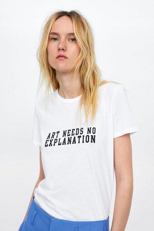 Zara T-shirt com texto à frente