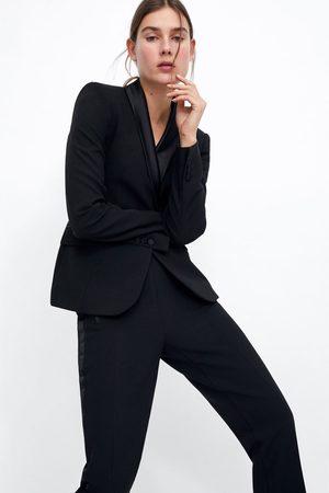 Zara Blazer smoking com lapela combinada