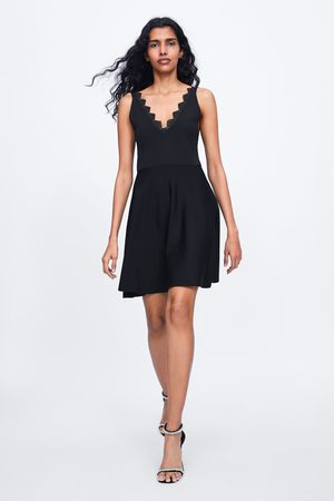 Zara Vestido de malha com renda