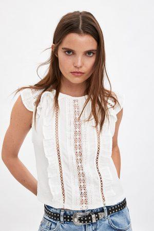 Zara T-shirt combinada com folhos