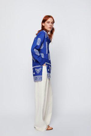 Zara Blusa com bordados a contrastar