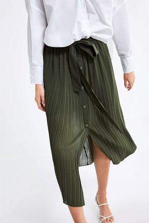 Zara Saia plissada com cinto