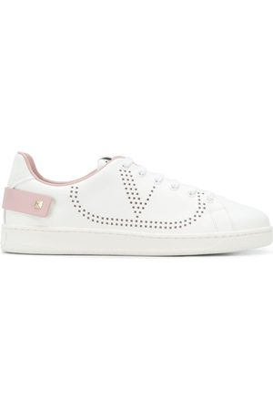 Valentino Senhora Ténis - Perforated logo sneakers