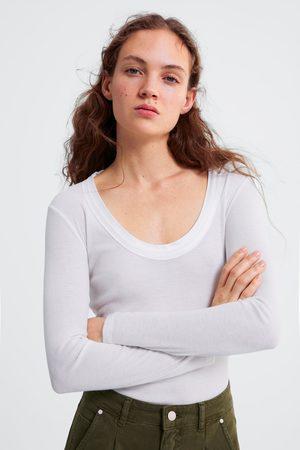 Zara T-shirt gola combinada