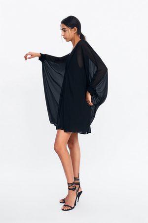 Zara Vestido tipo capa com franzidos