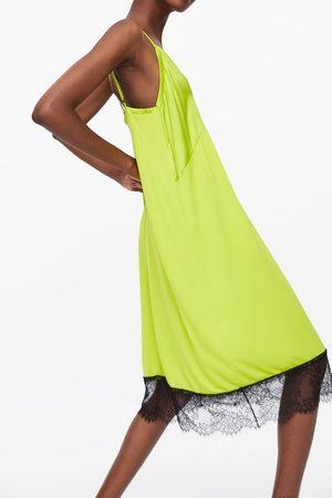 Zara Vestido estilo lingerie blonda