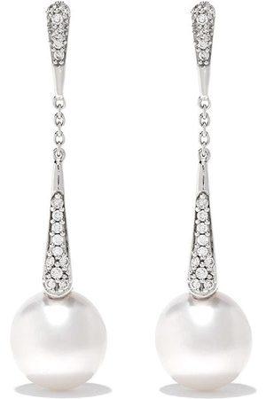 Yoko London 18kt white gold Trend diamond and pearl drop earrings